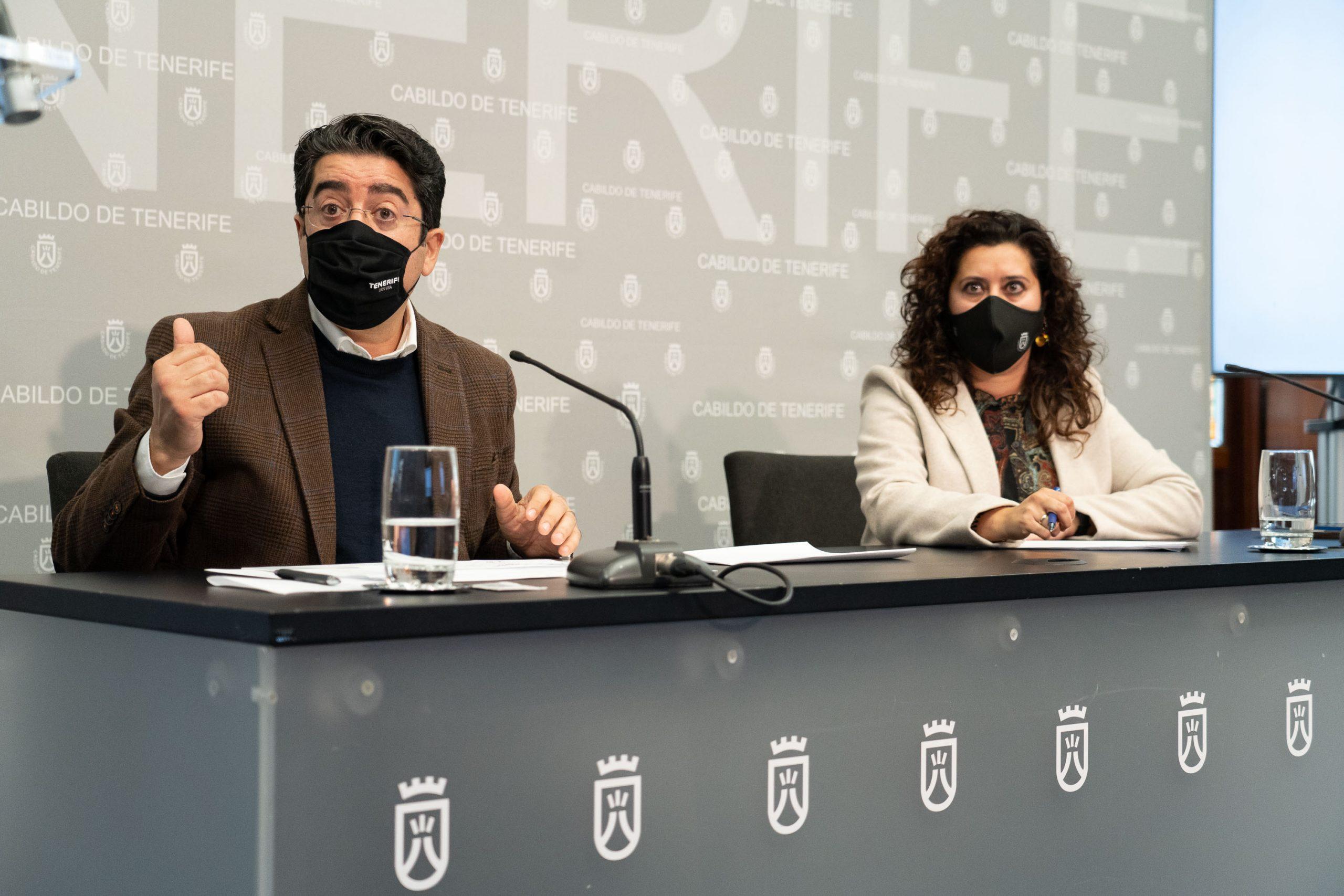 El presidente insular, Pedro Martín, y la consejera del Área, Carmen Luz Baso, presentaron las diferentes iniciativas que se desarrollarán a lo largo del 2021.