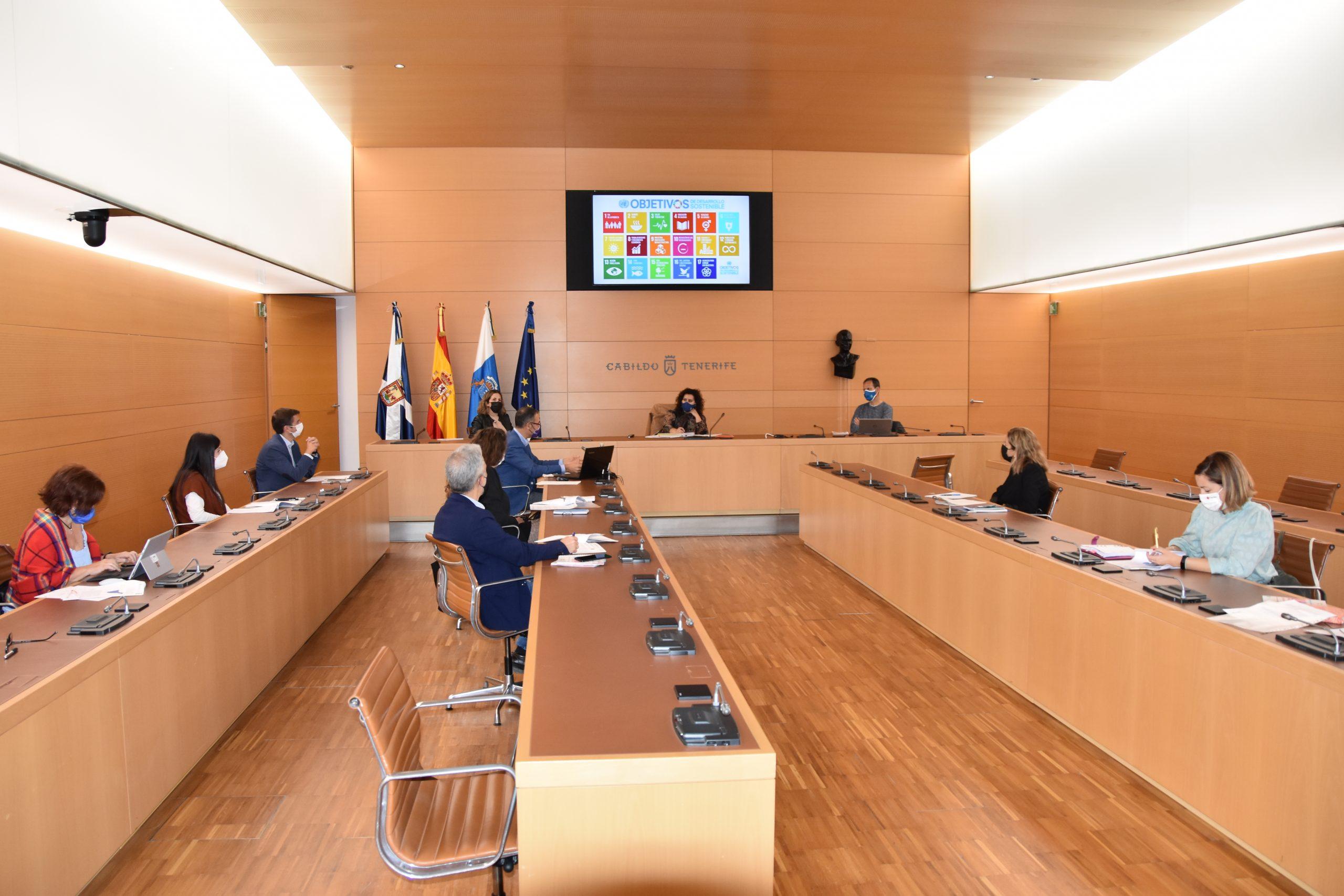 Reunión de la consejera de Empleo con representantes de las entidades que ejecutan Barrios por el Empleo: Juntos más Fuertes